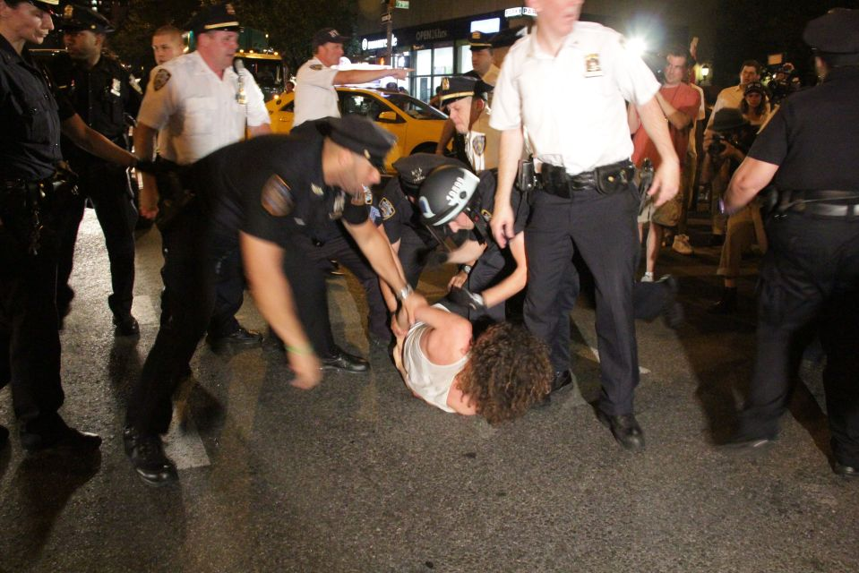 IMG_1601/NYPD have protestor on ground