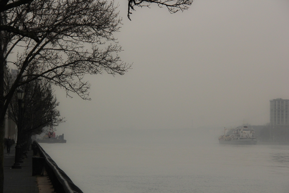 Foggy_East_River-3