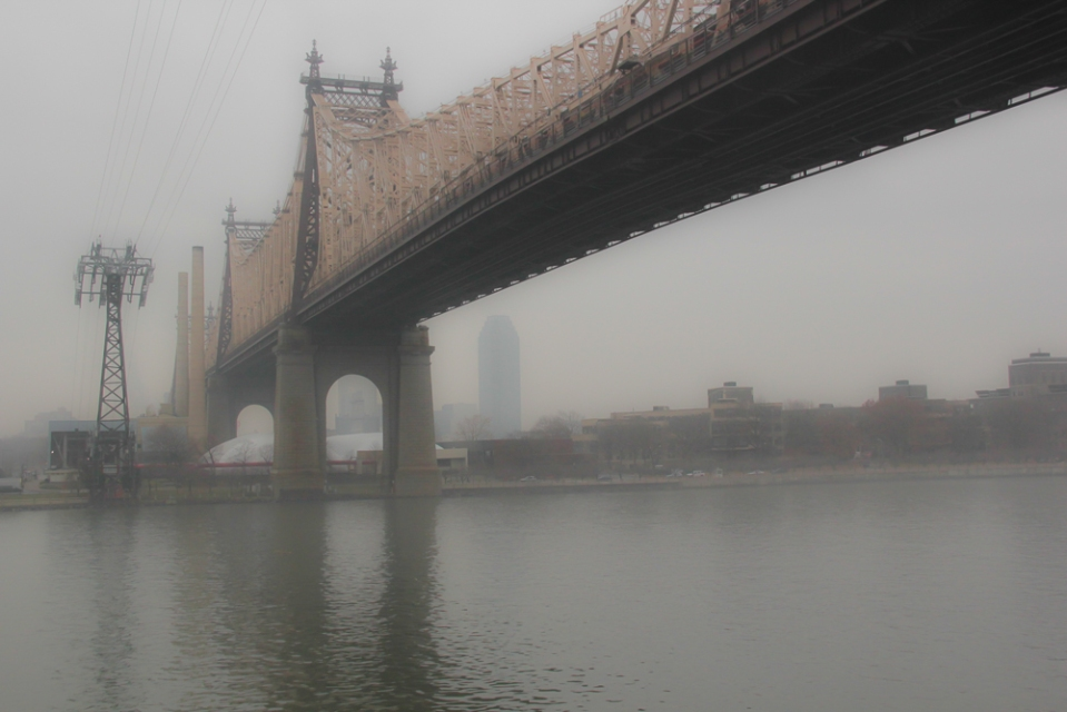 Foggy_East_River-4