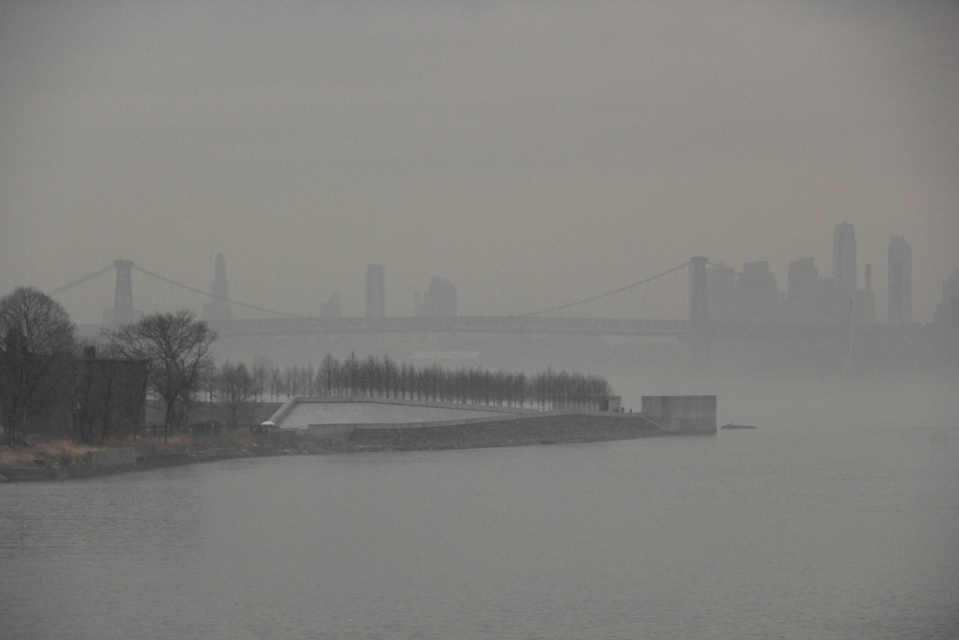 Foggy_East_River-5