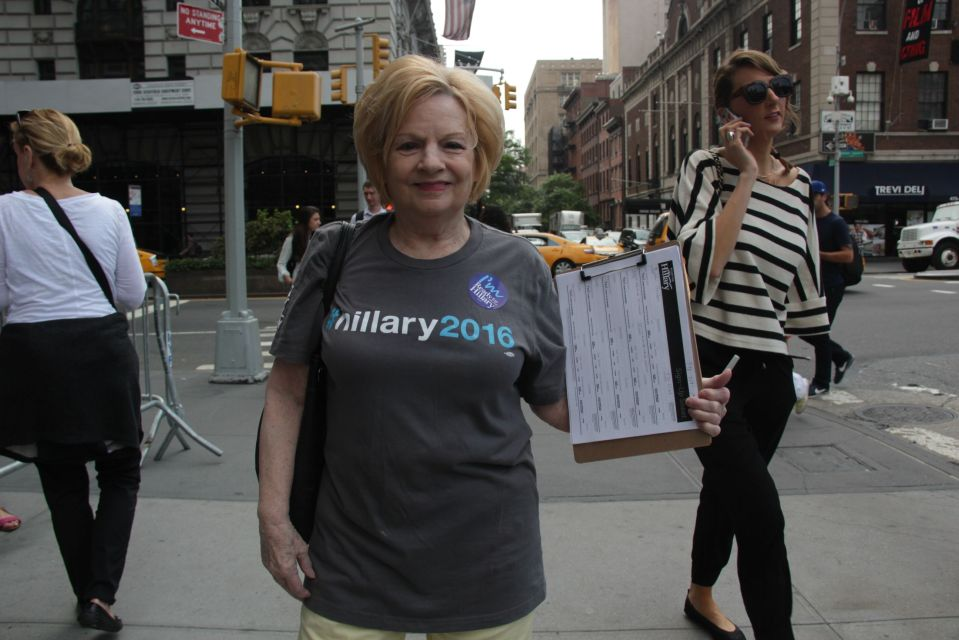 Hillary 2016 campaigner