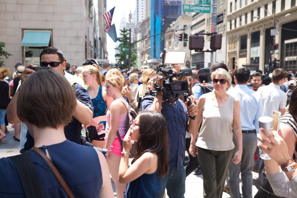 Crowded Bill Cunningham corner